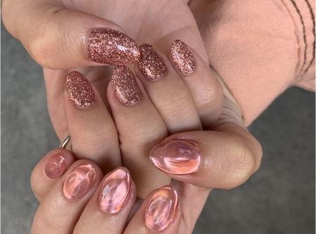 ピンクのキラキラネイル 【担当】浜田のサムネイル