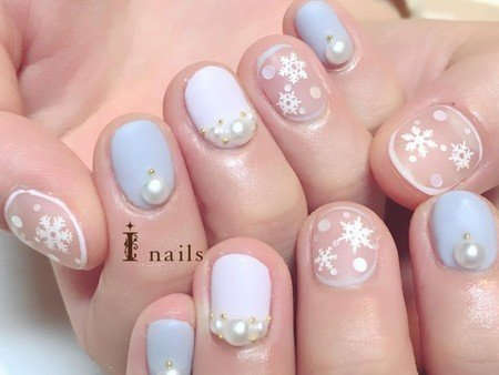 雪の結晶ネイルのサムネイル