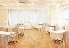 I-nails 横浜店の内観