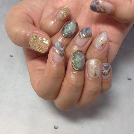 ニュアンス宝石ネイルのサムネイル