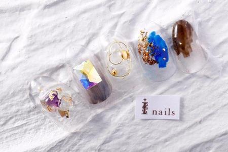 クリア天然石ネイルのサムネイル